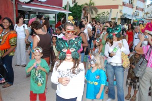 Masqueraders of all ages for the Boardwalk Mas (2007, STB photo)