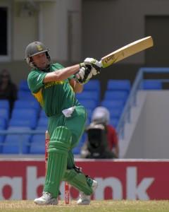 AB de Villiers pulls for four - Randy Brooks photo and DigicelCricket.com
