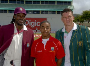 Chris Gayle and Graeme Smith pose with the Digicel representative at the toss - Brooks La Touche Photography and DigicelCricket.com