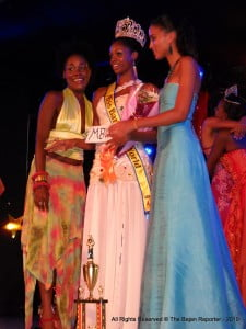 L to R: Former Miss barbados World Stehanie Chase, Current Title Holder - Danielle Bishop & 2009 Miss Barbados World - Leah Marville