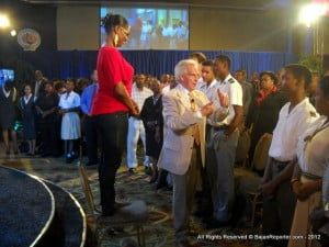 """Barbadian Jazz Singer kellie Cadogan was serenaded with the most enthusiastic version of """"HAPPY BIRTHDAY TO YOU"""" ever, thanks to the motivational Conductor!"""