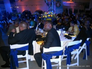 Here's the Cabinet of Barbados doing what they do best, getting free food! Don't believe me? Ronald Jones as he finished his meal, up & left and did not even hear Freundel's (very boring) speech! Jones literally ate & ran, good thing no Alexandra students saw, eh?