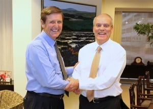 Scotiabank's CEO Rick Waugh (L) and President Brian Porter (R) announce November 1, 2013 as date of transition. (PRNewsFoto/Scotiabank)