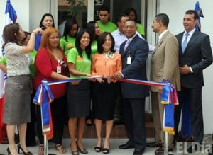 "{IMAGE VIA - eldia.com.do} Maira Jimenez, director of Solidarity Bank, made the announcement while opening a new branch in San Cristobal, where there is a large group of women who have already received their loans. (APOCRYPHAL: No more ""Shopping Sprees"" to Barbados for you!)"