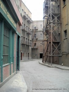 This is the Alley-way where Tobey Maguire did the Upside Down Kiss from 'Spider-Man' with Kirsten Dunst as Mary Jane Watson...