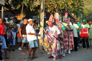 Premier Reuben Meade with veteran masqueraders