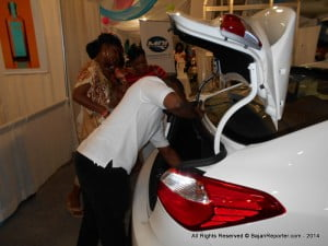 CLICK FOR BIGGER! The trunk space of the KIA Cerato caught the eyes of these patrons...