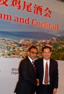 Minister Bharath greets one of the potential investors at the Business Forum, Shanghai