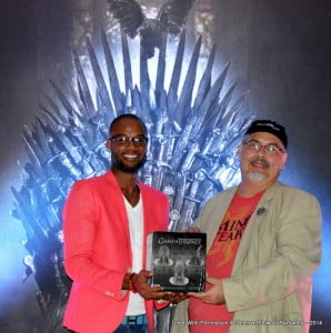 As a special guest, the Game Of Thrones author was on hand... Just Kidding, this rather familiar dude earned an Iron Throne replica for his fan gear (cap, Tee shirt and badge)!