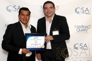 L – R: Elvis Cisneros, Operations Manager GCG Bonaire and Francisco Mayorga, General Manager GCG Bonaire proudly display the company award.