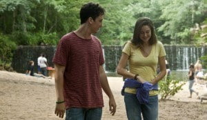This romantic film depicts Sutter Keely (Miles Teller), a confident and self-possessed high school party boy with no ambitions, whose life changes forever when he unexpectedly meets Aimee Finecky (Shailene Woodley), a simple girl who wears no makeup, reads science fiction on her free time and shows him how to live in the moment.