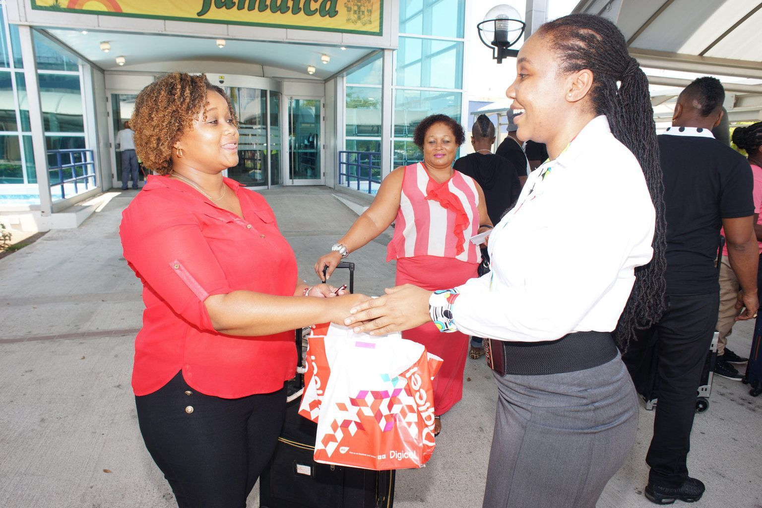 The Bajan Reporter | DIGICEL SHARES THE LOVE WITH TOP-UP