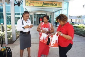 Upon their arrival, Shereese and her mother were presented with additional gifts, including two DL800s with seven day Starter Plus data plans so that they can share their trip on social media