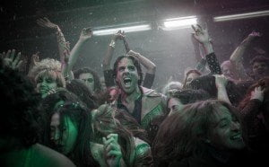 Starring Bobby Cannavale (HBO's Boardwalk Empire), Olivia Wilde (House) and Ray Romano (Everybody Loves Raymond), Vinyl begins on February 14th at 22hrs*. The drama transports viewers to the music industry of the 1970s in New York City. The series follows the story of Richie Finestra, founder and president of American Century Records, and his personal and professional struggles to stay relevant in the music world. Vinyl was created by Martin Scorsese, Terence Winter and Mick Jagger, who also serve as executive producers alongside Rick Yorn, Victoria Pearman, Emma Tillinger Koskoff, John Melfi, Allen Coulter and George Mass.