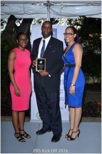 Henry Shockness with Corporate Sales Manager, Maria Thompson (right) and Facey Barbados Chief Finance Manager, Lois Denny (left)