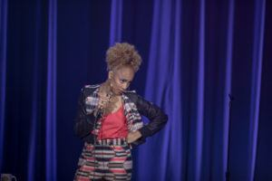 "In AMANDA SEALES: I BE KNOWIN', Seales, who is also a series regular on the hit HBO comedy series INSECURE, delves into catcalling versus compliments, a woman's ""vagenda,"" who runs the windows on an airplane, workplace email etiquette, how to be a ""Hannah"" instead of a ""Becky,"" and leads the crowd in a rousing rendition of the Negro National Anthem."